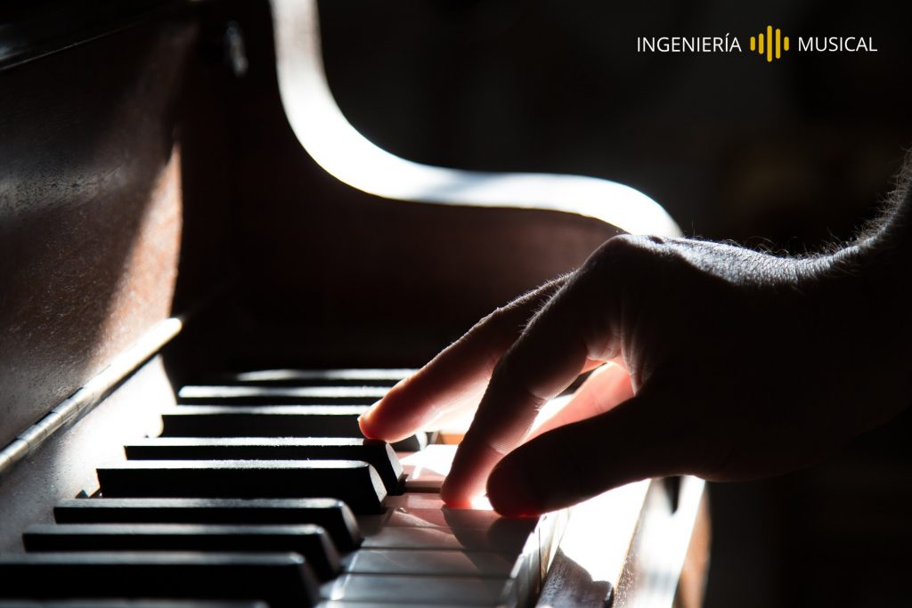 crear cancion con piano ingenieria musical